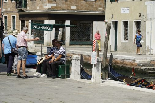 Gondola drivers need a break too.